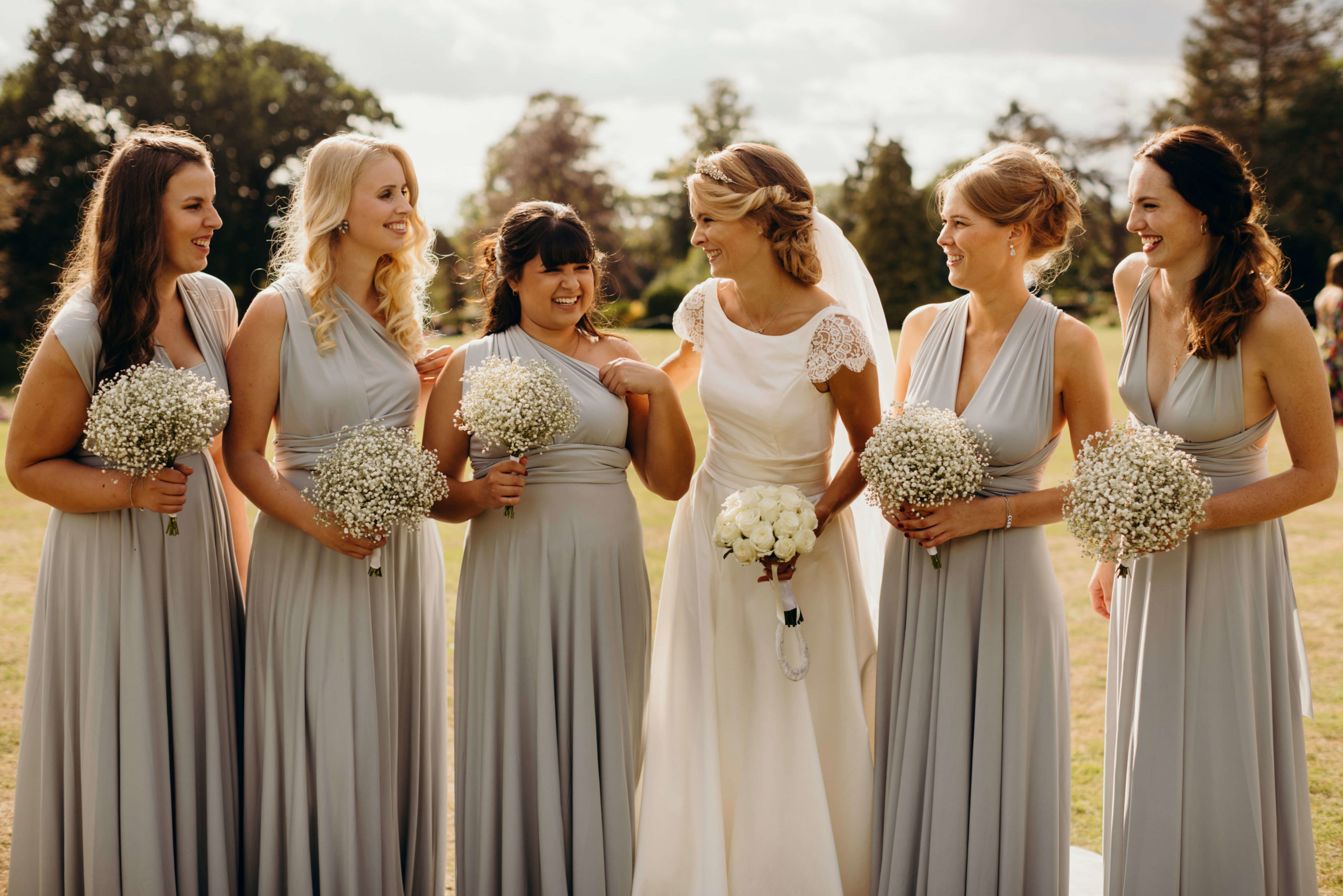 Easy To Follow Tips And Tricks When Choosing Bridesmaid Dresses