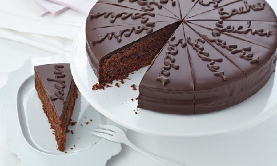 Cakes To Please Your Taste Buds