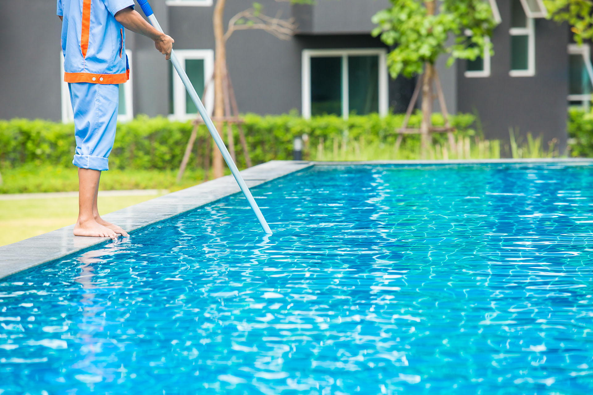 Look for These Signs To Decide Whether You Must Hire Any Pool Cleaner Today