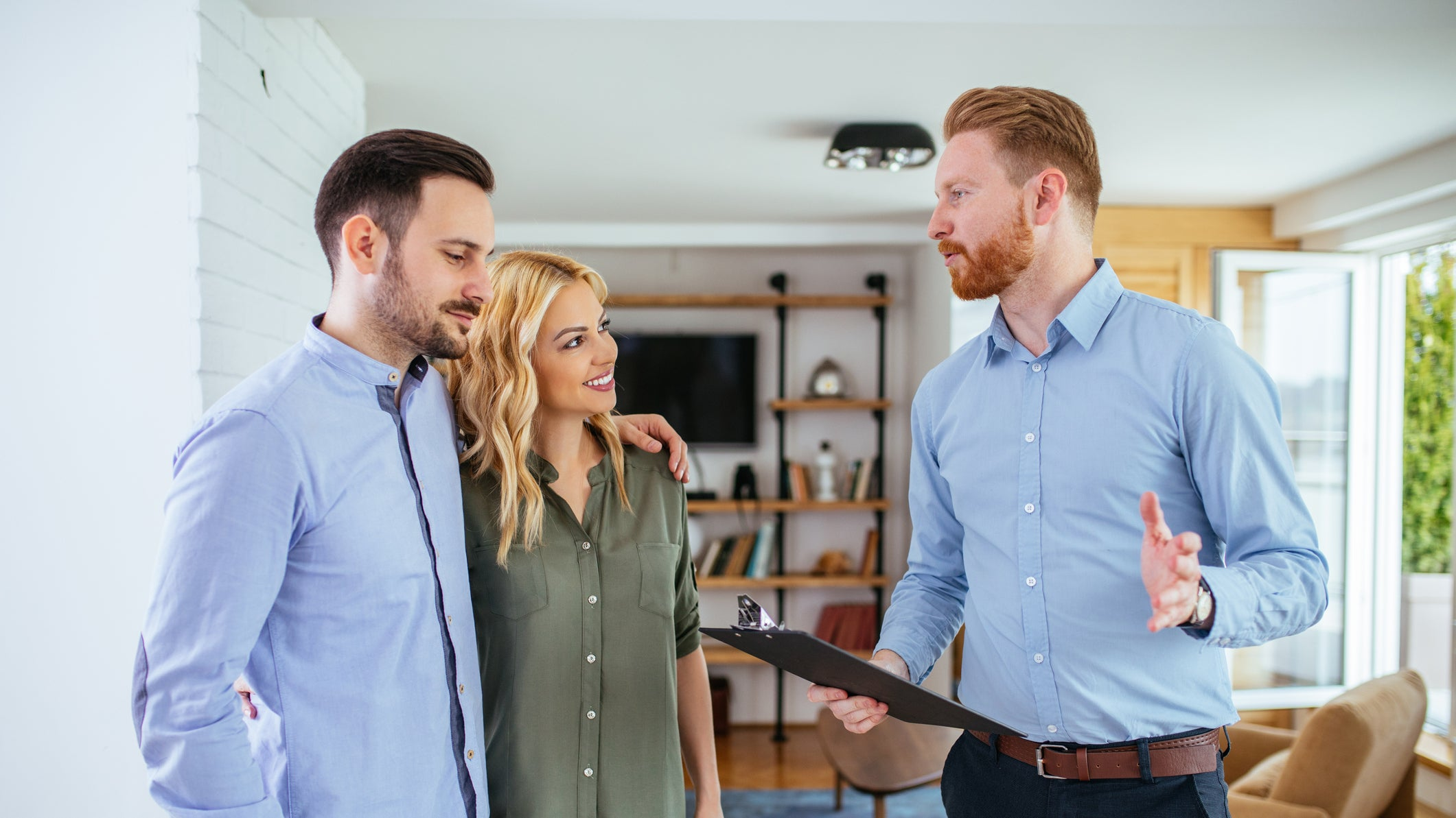 real_estate_agent_talking